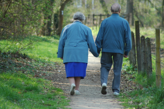 Old-couple-1316755-1279x849