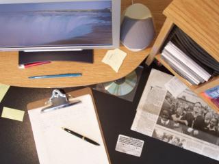 Home-office-desk-1240238-1280x960