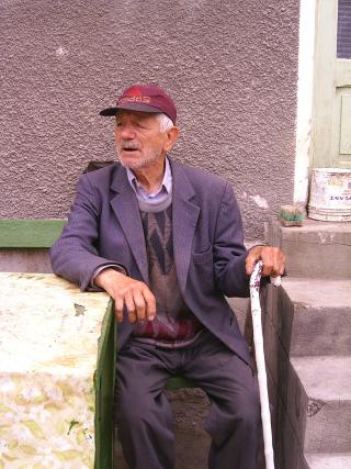 Old-man-1534208-1279x1705