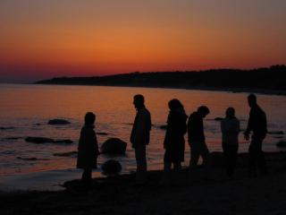 Sundown-family-1553623-1280x960